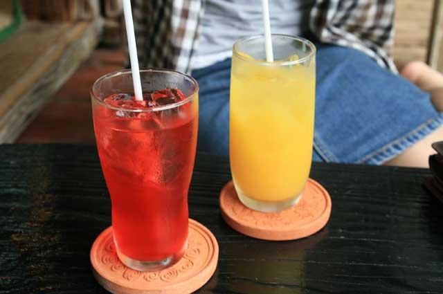 アセロラジュースとオレンジジュース