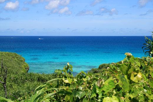 砂山ビーチから見た青い海