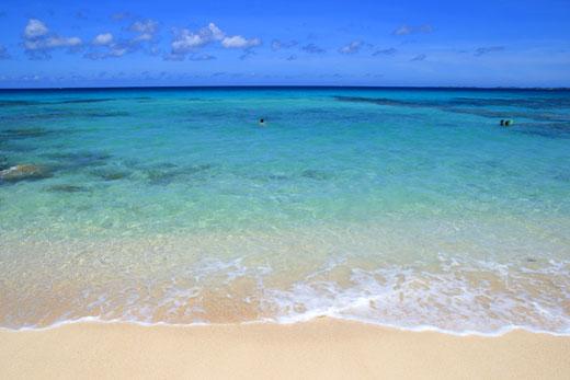 砂山ビーチの波打ち際